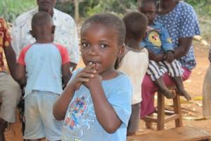 Kenia_Häuser f. Waisenkinder_Kind-einzeln