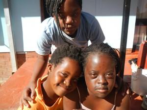 Zimbabwe_Arche - NWT 2015 - Die 3 Mädels von Brook House